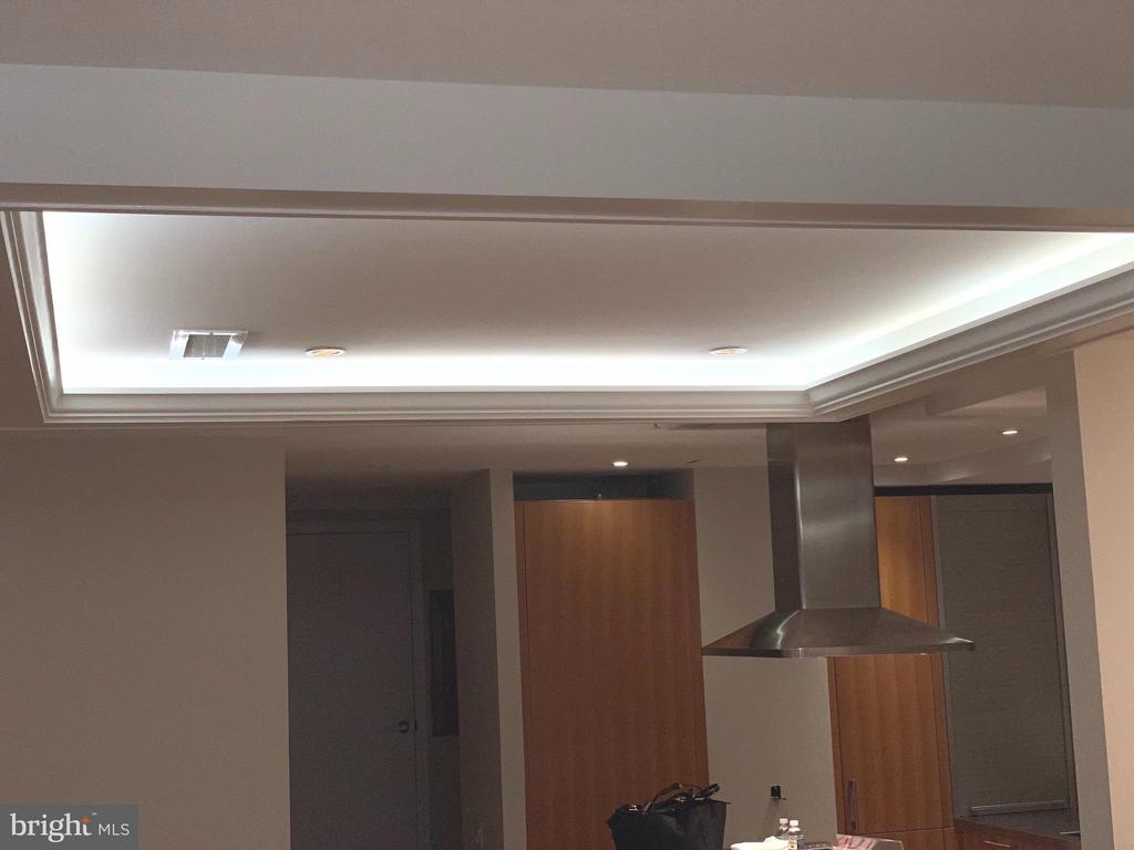 Coffered ceilings with light adds brightness to th - 1124 10TH ST NW #TA, WASHINGTON