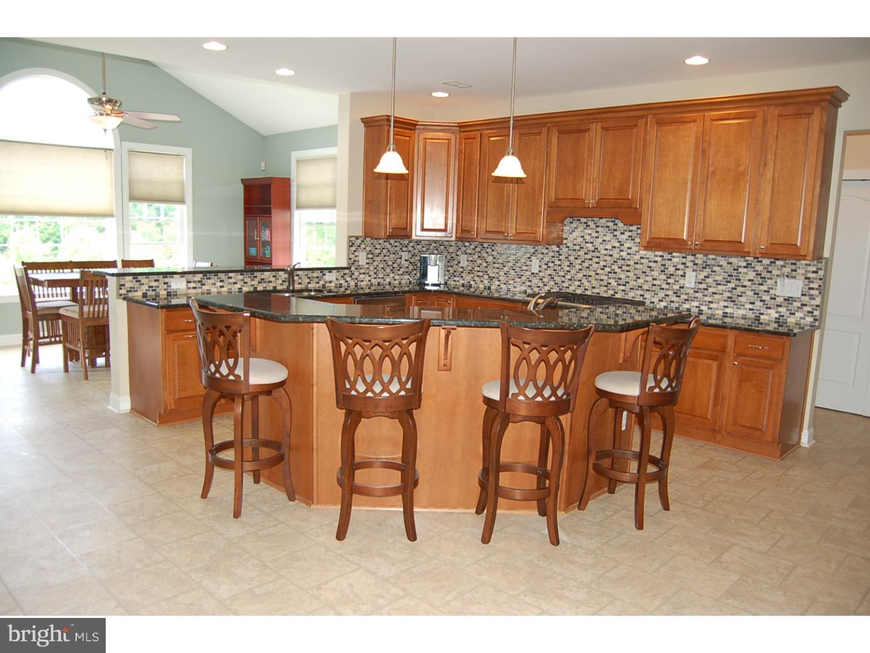 Частный односемейный дом для того Продажа на 44 WAVERLY Drive Mansfield Township, Нью-Джерси 08022 Соединенные Штаты