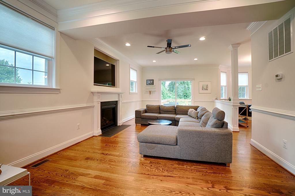 Livingroom - 4326 AGNEW AVE, ALEXANDRIA