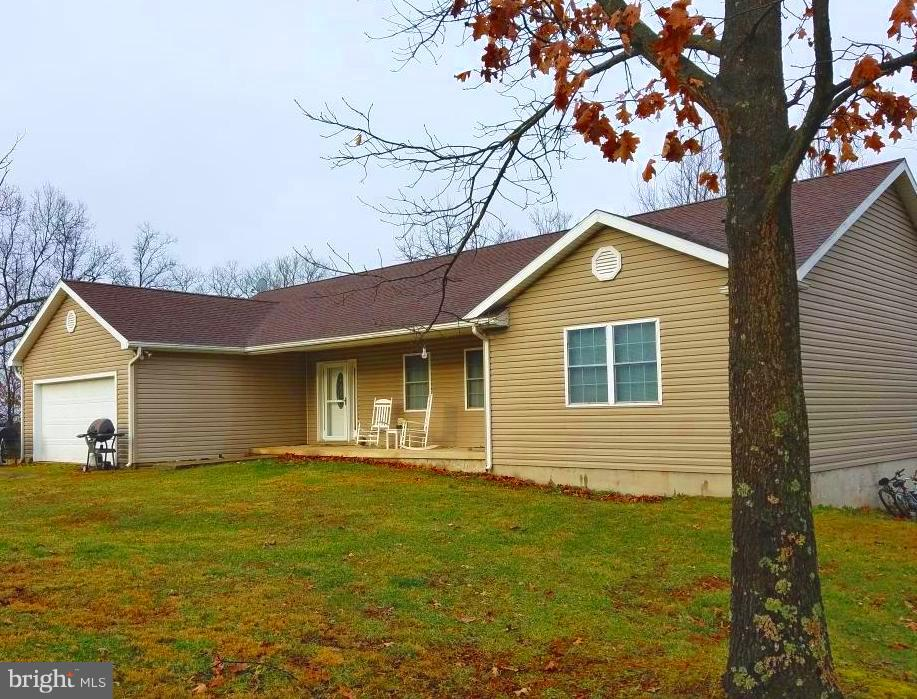 Single Family for Sale at 11906 Winchester Grade Rd Berkeley Springs, West Virginia 25411 United States