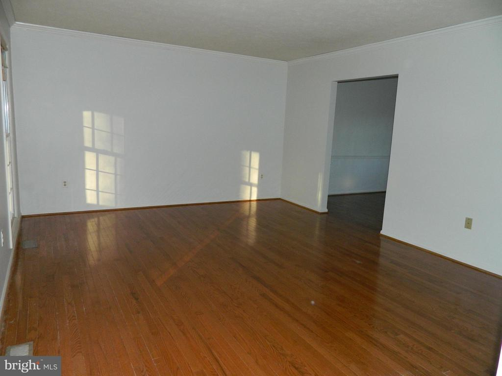 Living Room with Hardwood Floors - 6490 MCKEE WAY, MANASSAS