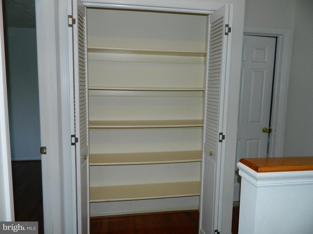Large Linen Closet in Bedroom Level Hall - 6490 MCKEE WAY, MANASSAS