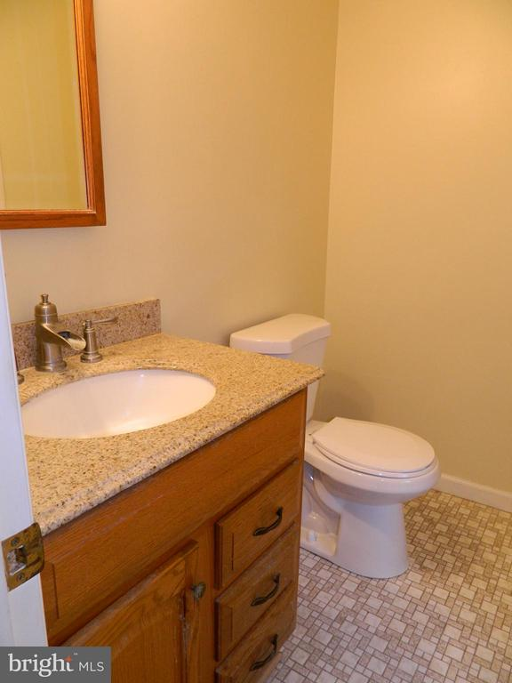 1st Floor Powder Room - 6490 MCKEE WAY, MANASSAS