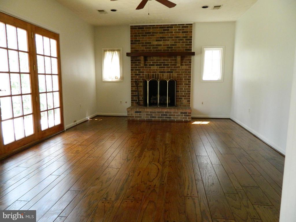 Family Room off Kitchen with Gas Log Fireplace - 6490 MCKEE WAY, MANASSAS