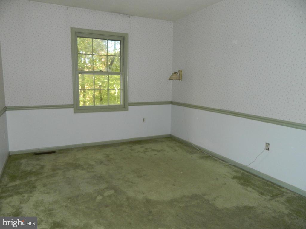 Bedroom 2  is only room with Carpeting - 6490 MCKEE WAY, MANASSAS