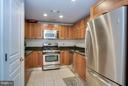 Updated Kitchen - 2451 MIDTOWN AVE #913, ALEXANDRIA