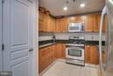 Spacious Kitchen with plenty of counter space - 2451 MIDTOWN AVE #913, ALEXANDRIA