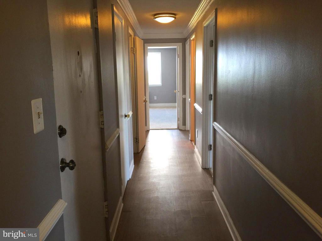 Inside Hallway, Full View - 5111 8TH RD S #401, ARLINGTON