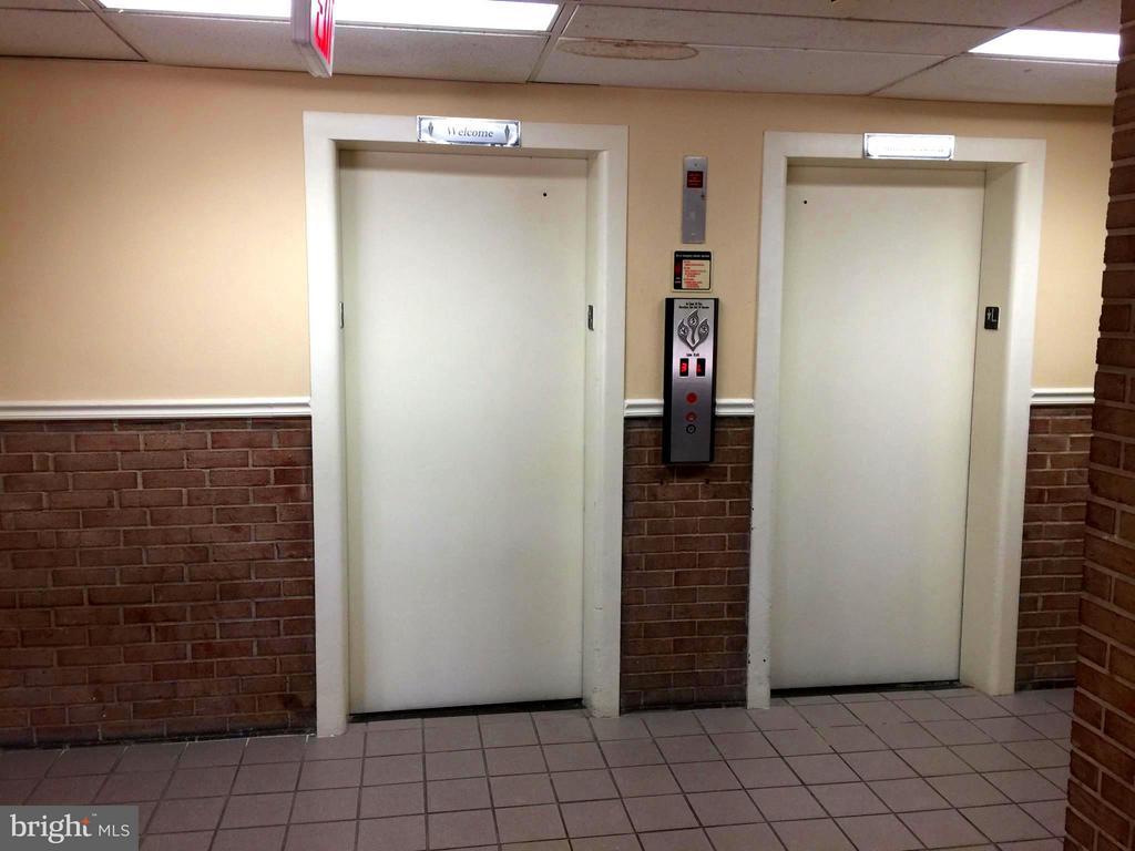 Elevators - 5111 8TH RD S #401, ARLINGTON