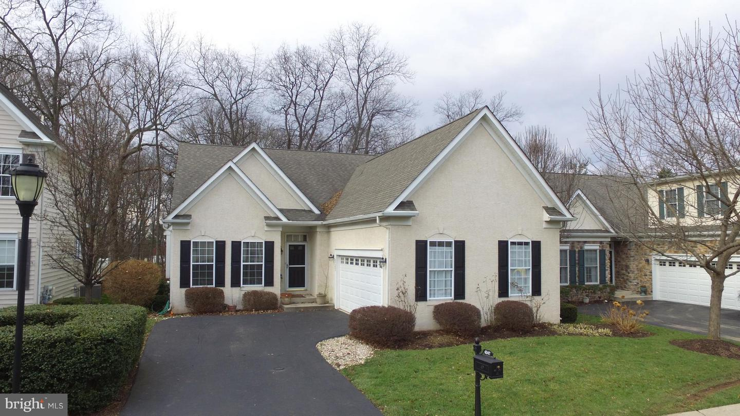 Photo of home for sale at 4347 Wendy Way, Schwenksville PA