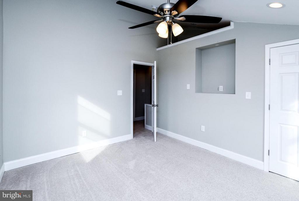 Owners suite offers New carpet + Ceiling fan - 5222 HAYES ST NE, WASHINGTON