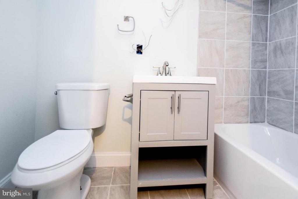 [Basement Full Bath] - 5222 HAYES ST NE, WASHINGTON