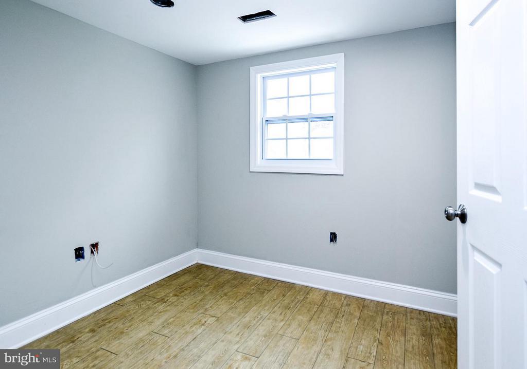 [Basement Bedroom] - 5222 HAYES ST NE, WASHINGTON
