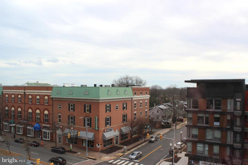 City View from the Bedroom - 1020 N HIGHLAND ST #601, ARLINGTON