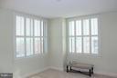 Large Master-bedroom - 1020 N HIGHLAND ST #601, ARLINGTON