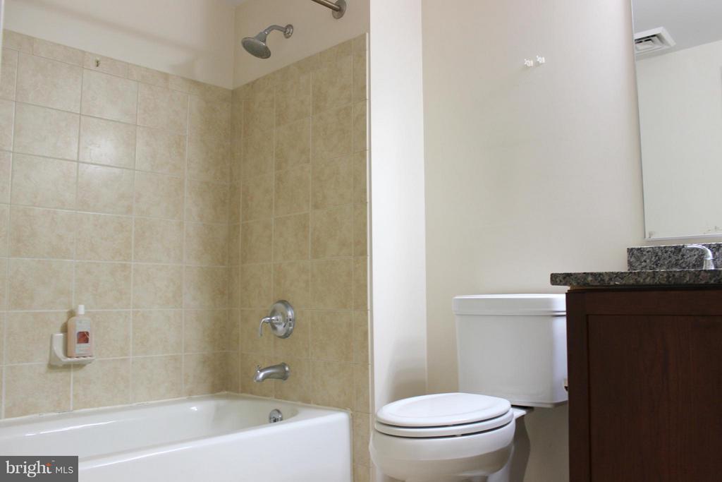 Second Bathroom - 1020 N HIGHLAND ST #601, ARLINGTON