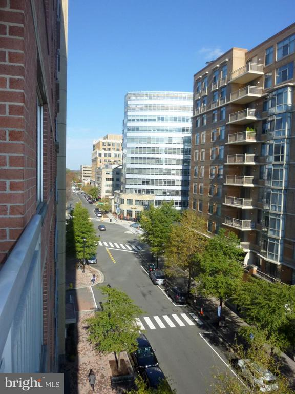 City View from the Balcony - 1020 N HIGHLAND ST #601, ARLINGTON