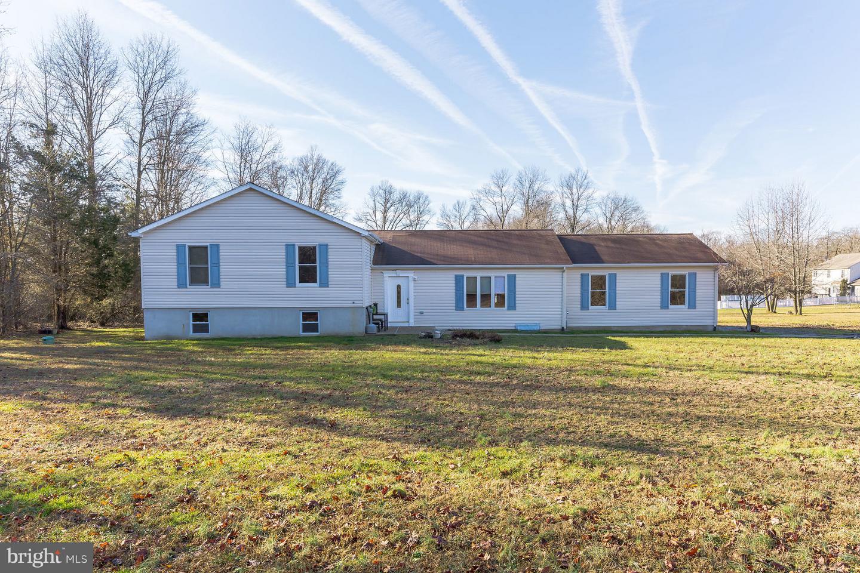 Частный односемейный дом для того Продажа на 640 RUSSELL MILL Road Swedesboro, Нью-Джерси 08085 Соединенные ШтатыВ/Около: Woolwich