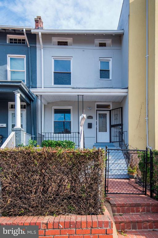 MLS DCDC308616 in COLUMBIA HEIGHTS