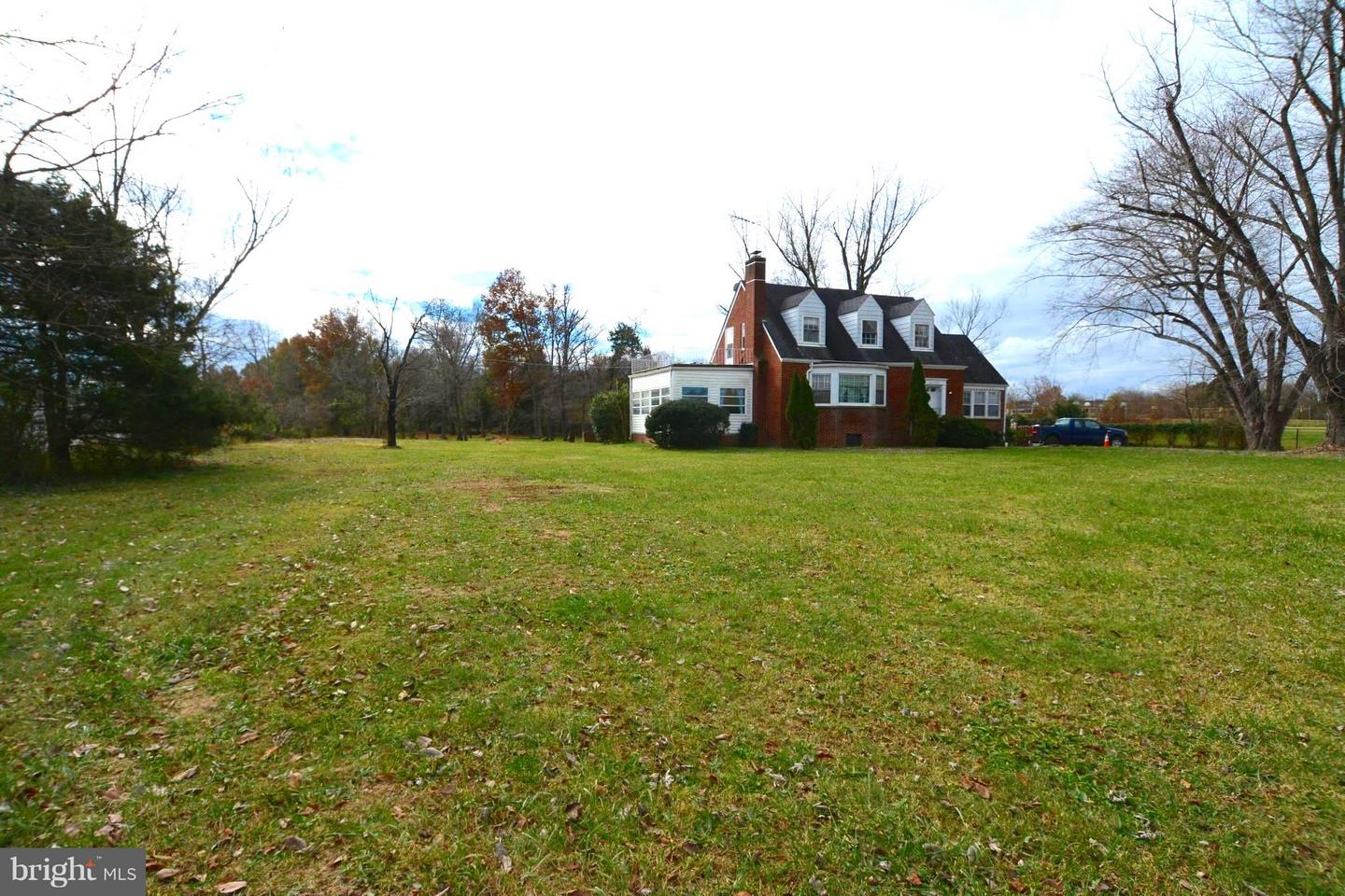 Single Family for Sale at 41737 John Mosby Hwy Aldie, Virginia 20105 United States