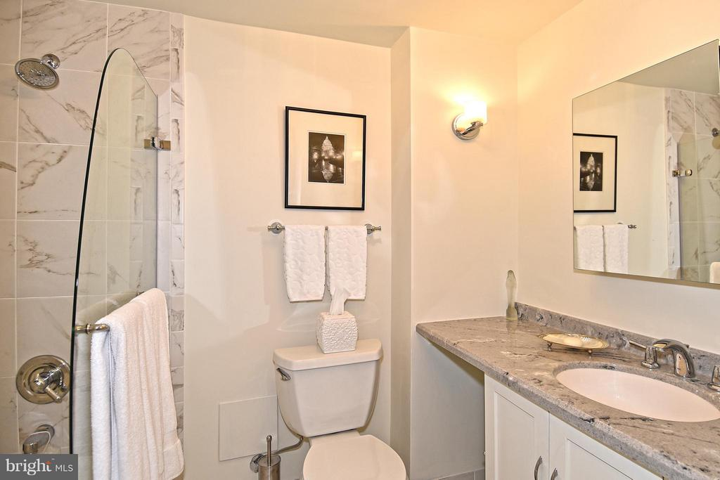 Master Bathroom - 2801 NEW MEXICO AVE NW #808, WASHINGTON