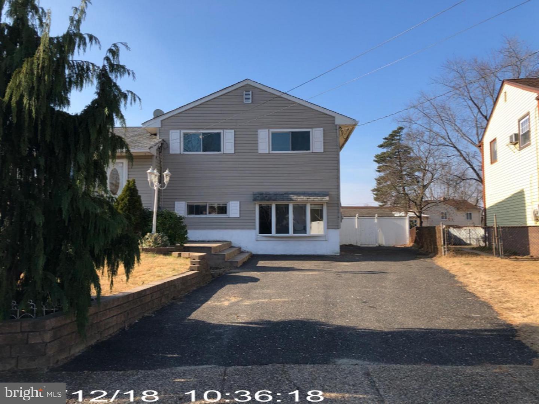 Частный односемейный дом для того Продажа на 617 WILLIAMS TER Runnemede, Нью-Джерси 08078 Соединенные Штаты