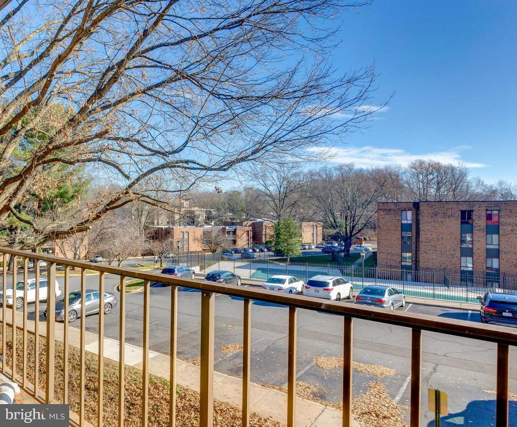 Another Balcony View - 4404 ISLAND PL #304, ANNANDALE
