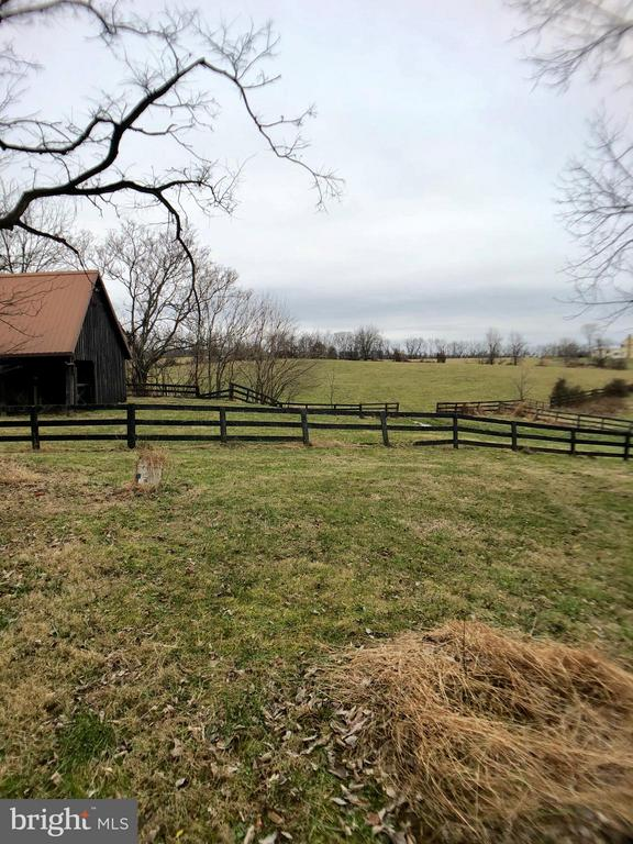 View of 3 Stall Barn and Paddock - 18483 SILCOTT SPRINGS RD, PURCELLVILLE