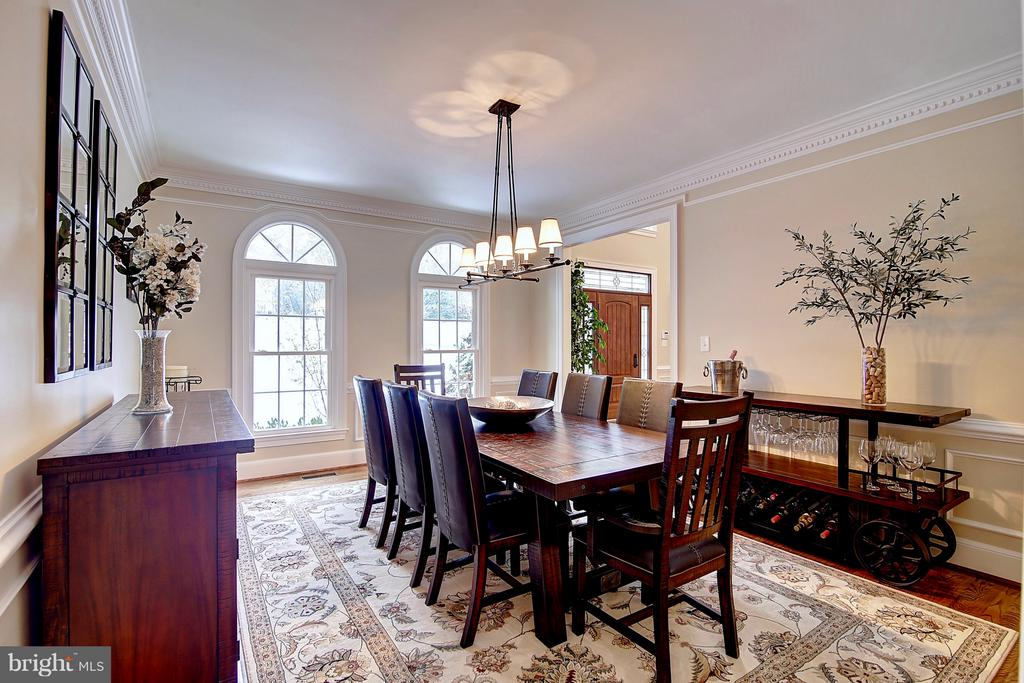 Formal dining room; perfect for entertaining - 1298 STAMFORD WAY, RESTON