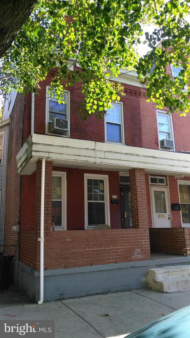 Μονοκατοικία για την Πώληση στο 694 MARTIN LUTHER KING JR BLD Trenton, Νιου Τζερσεϋ 08618 Ηνωμένες Πολιτείες