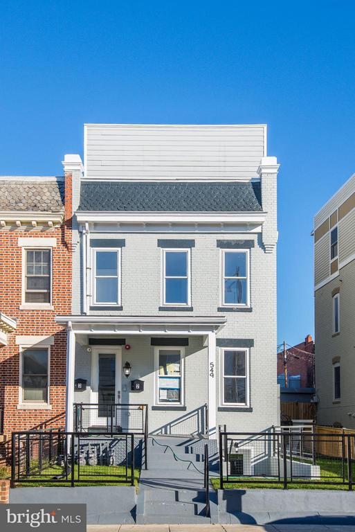 Welcome home to 549 Park! - 549 PARK RD NW #3, WASHINGTON