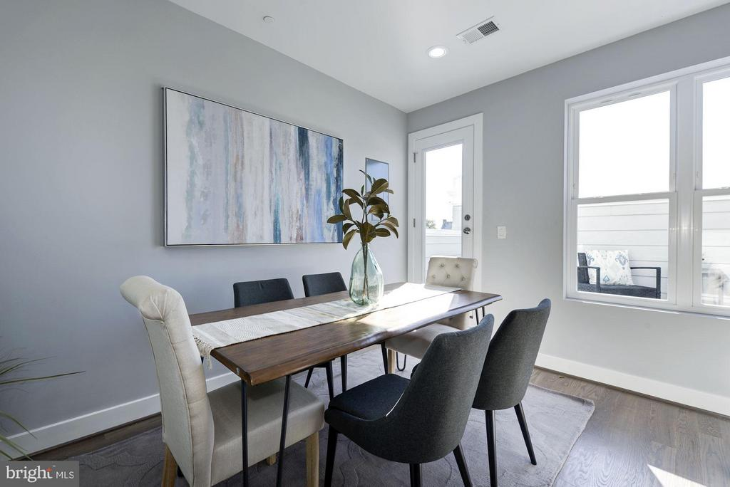 Room for a dining area - 549 PARK RD NW #3, WASHINGTON