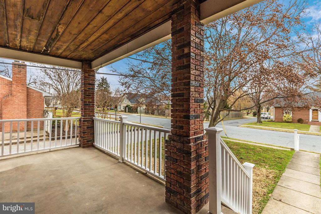Large Front Porch - 4 E 13TH ST, FREDERICK