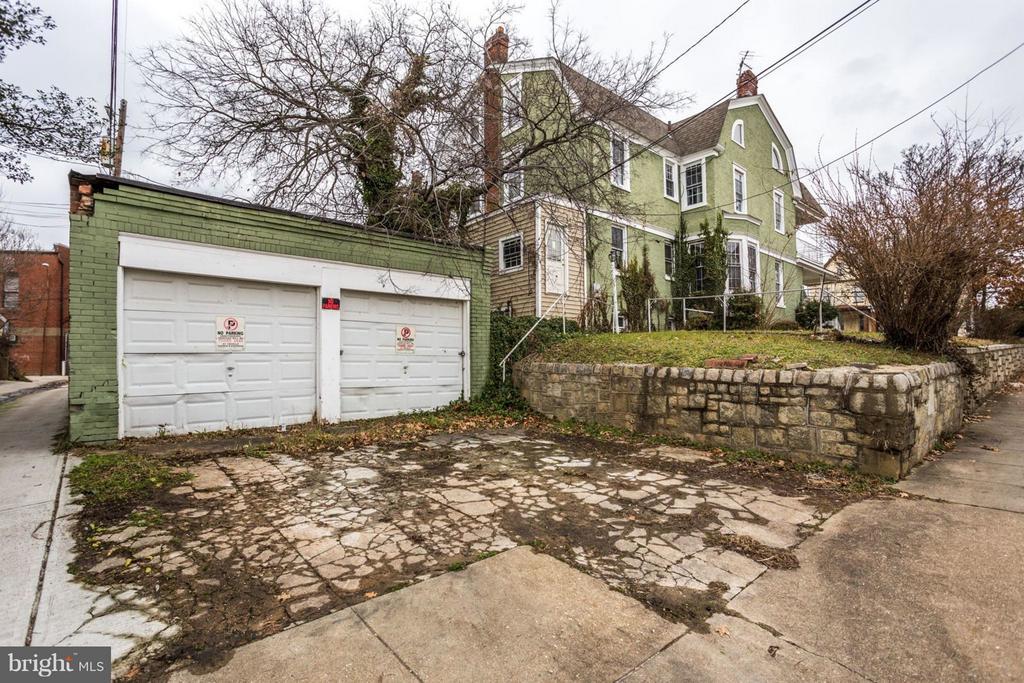 2 Car Garage PLUS Room for 2 More! - 700 RANDOLPH ST NW, WASHINGTON