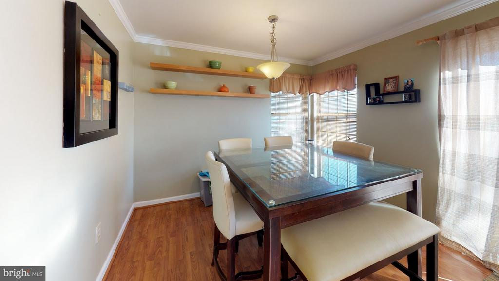 Convenient, sunny breakfast room - 18016 FENCE POST CT, GAITHERSBURG