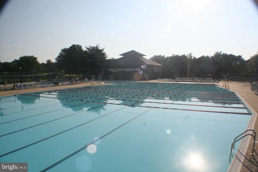 Community pool within walking distance - 18016 FENCE POST CT, GAITHERSBURG