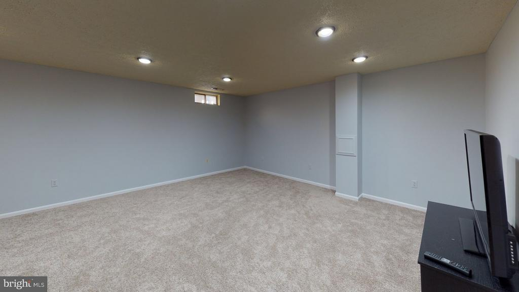Recessed lighting - 18016 FENCE POST CT, GAITHERSBURG