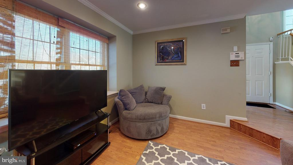 2-story floyer; bright open floor plan - 18016 FENCE POST CT, GAITHERSBURG