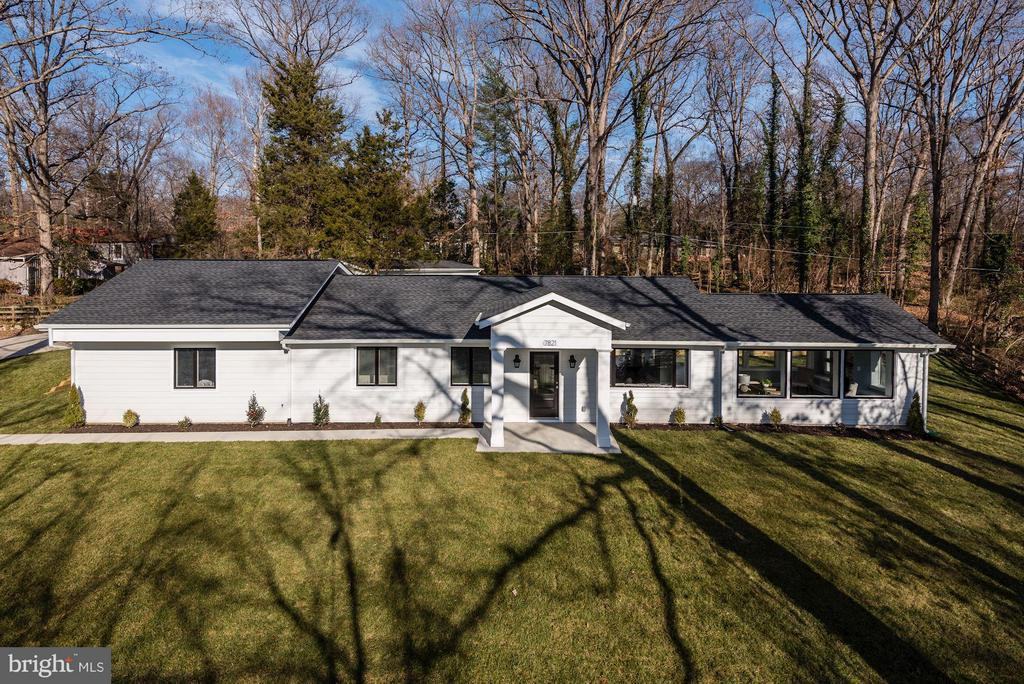 Welcome to 7821 Fort Hunt Road! - 7821 FORT HUNT RD, ALEXANDRIA