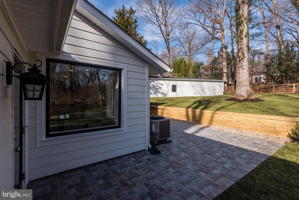 Large Patio beside the Family Room - 7821 FORT HUNT RD, ALEXANDRIA