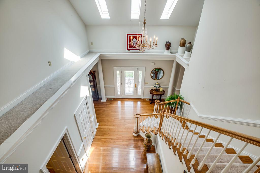 Foyer is full of natural light - 417 FOREST LANE RD, FREDERICKSBURG