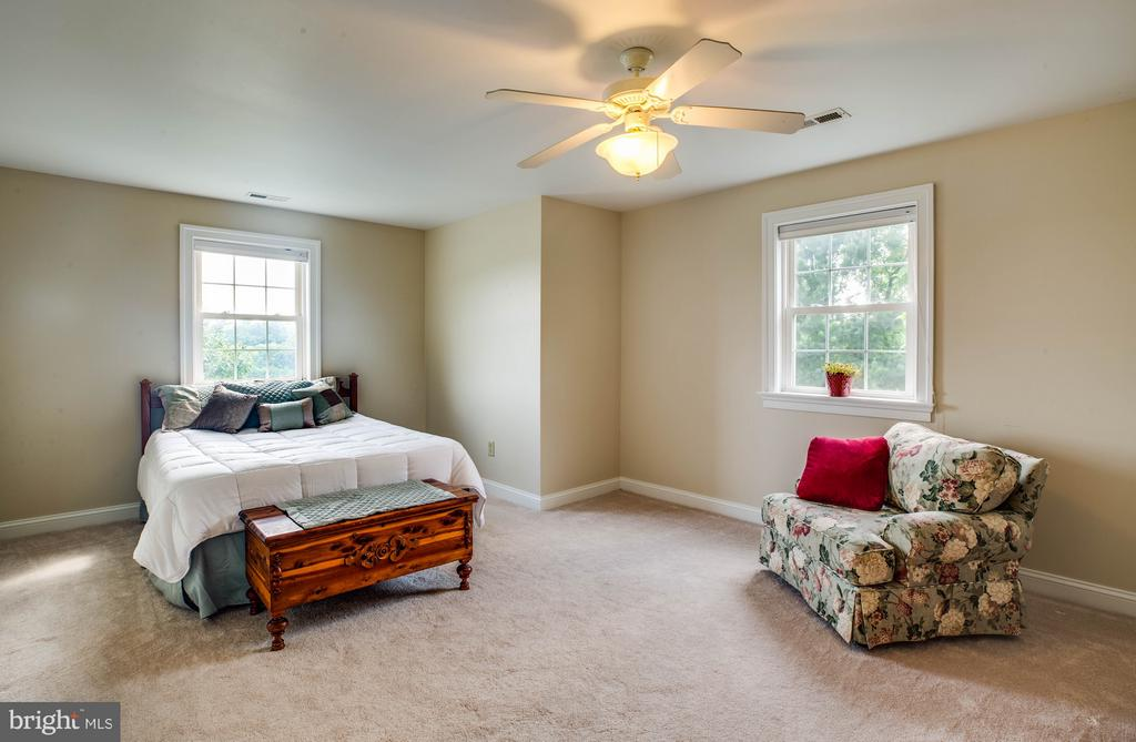 Upper 1 Front Bedroom - 417 FOREST LANE RD, FREDERICKSBURG