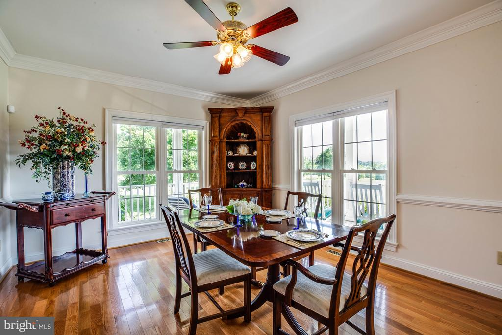 Formal Dining Room w/ hardwood floors - 417 FOREST LANE RD, FREDERICKSBURG