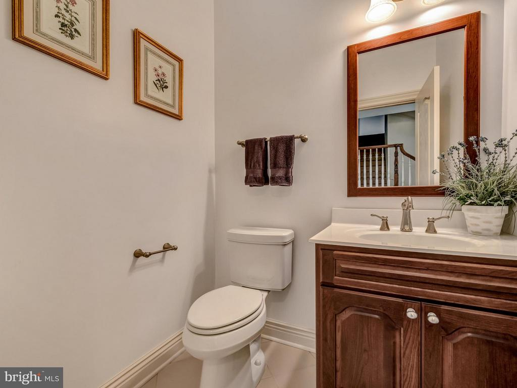 Powder Room - 10707 EASTERDAY RD, MYERSVILLE