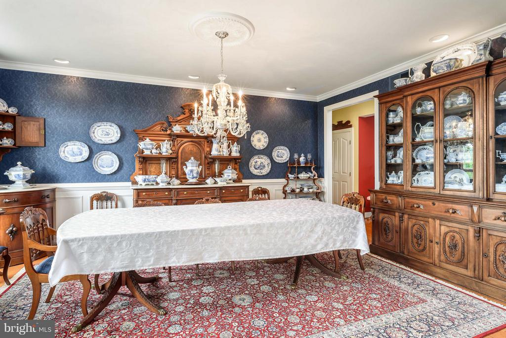 Large Dining Room - 35190 DORNOCH CT, ROUND HILL