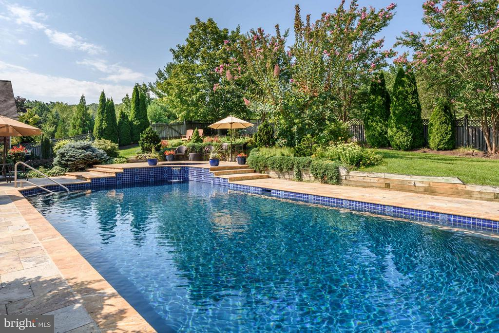 Pool and Landscaped Professionally Maintained - 35190 DORNOCH CT, ROUND HILL