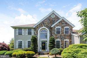 Enfamiljshus för Försäljning vid 12 POPLAR Cranbury, New Jersey 08512 Förenta staternaI/Runt: Plainsboro Township