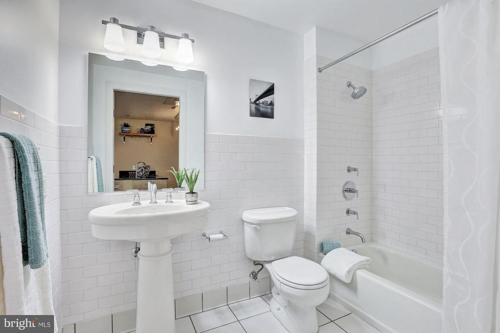2nd Bathroom - 809 6TH ST NW #61, WASHINGTON