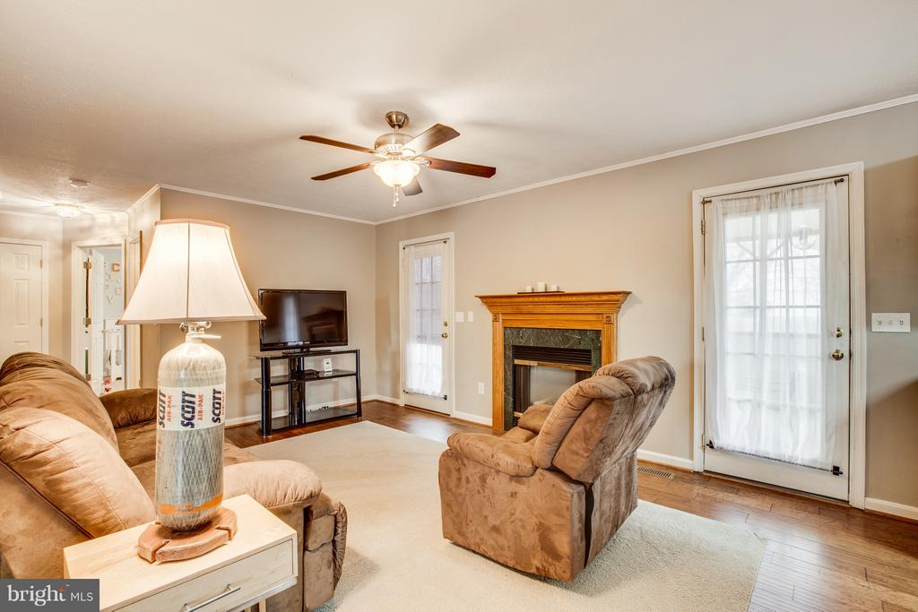 Family Room w/ gas fireplace - 11016 LEAVELLS RD, FREDERICKSBURG