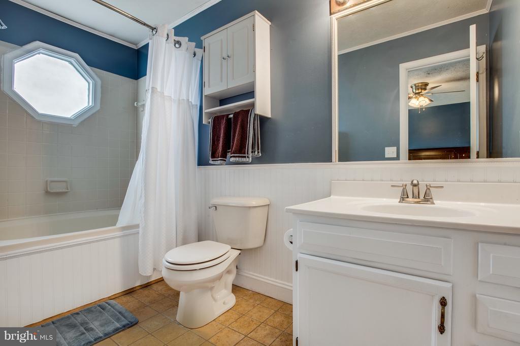 Master Bathroom - 11016 LEAVELLS RD, FREDERICKSBURG
